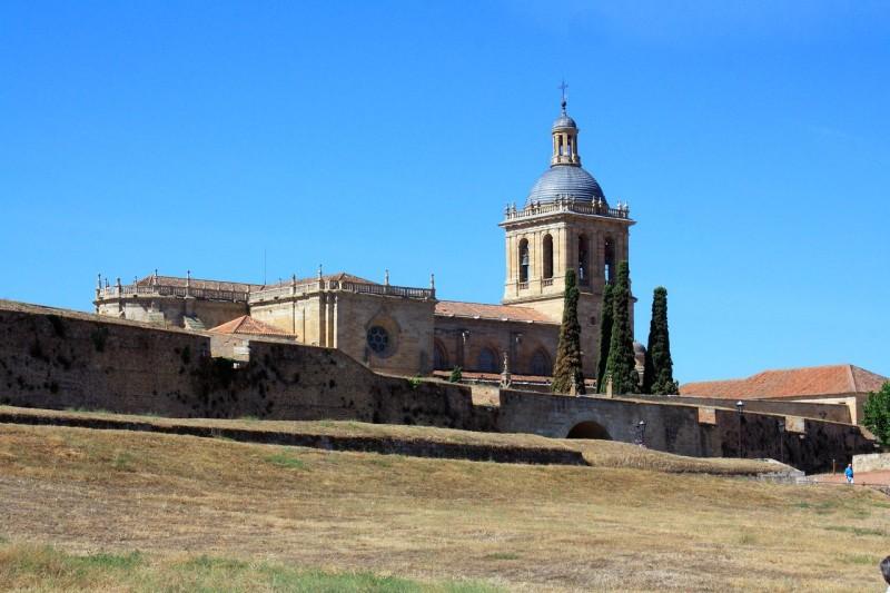 Remparts et cathédrale