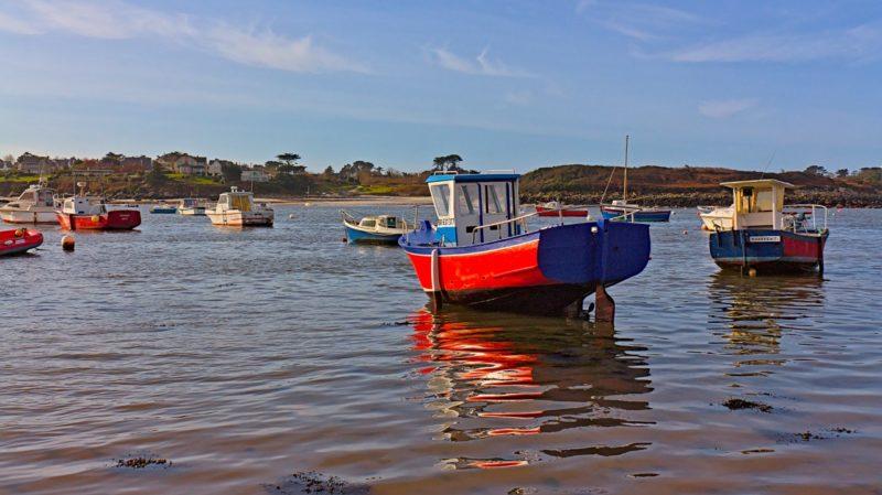 Bateaux dans le port de Portsall