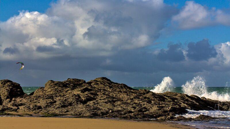 Kite-surf dans la houle