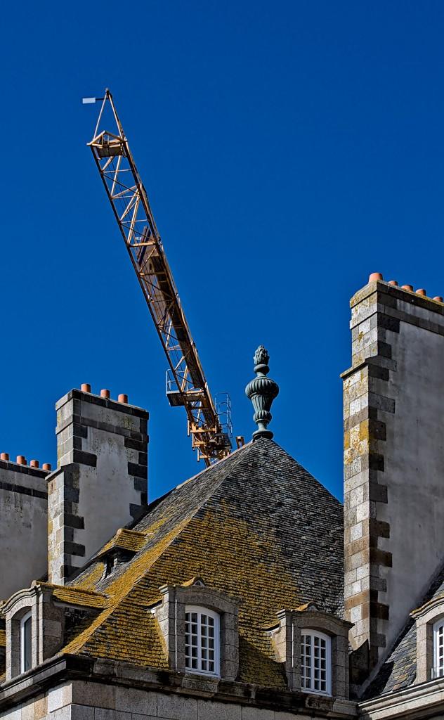 Toitures et cheminées d'immeubles malouins