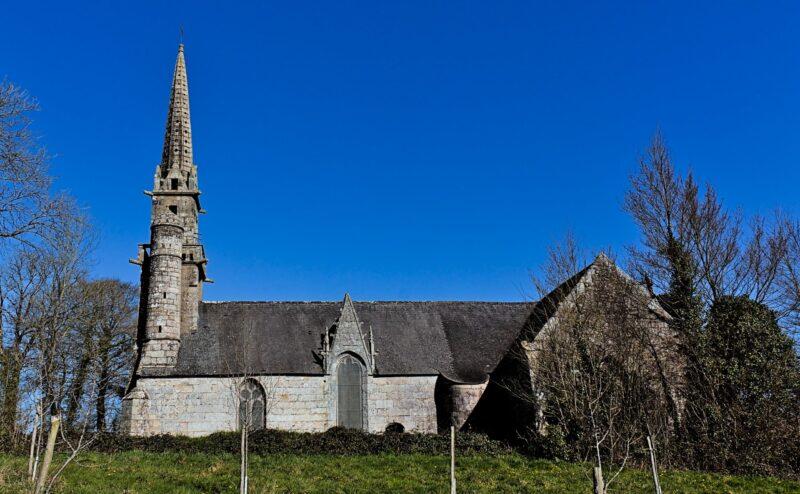 La chapelle Saint-Gildas de Carnoët et son calvaire
